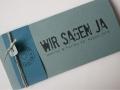 Hochzeitskarte FELINA Schrift GRUNGE Banderole azurblau / Karte bluegrey / Herz bluegrey