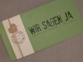 Hochzeitskarte FELINA Schrift GRUNGE Banderole elfenbein/ Karte grün / Herz Kraftpapier
