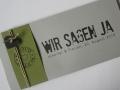 Hochzeitskarte FELINA Schrift GRUNGE Banderole oliv / Karte lichtgrau / Herz anthrazit