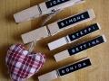 Holzklammern mit Namen