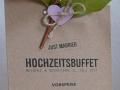 Menükarten aus Kraftpapier - diverse Ausführungen mit Blumen und Zweigen verziert