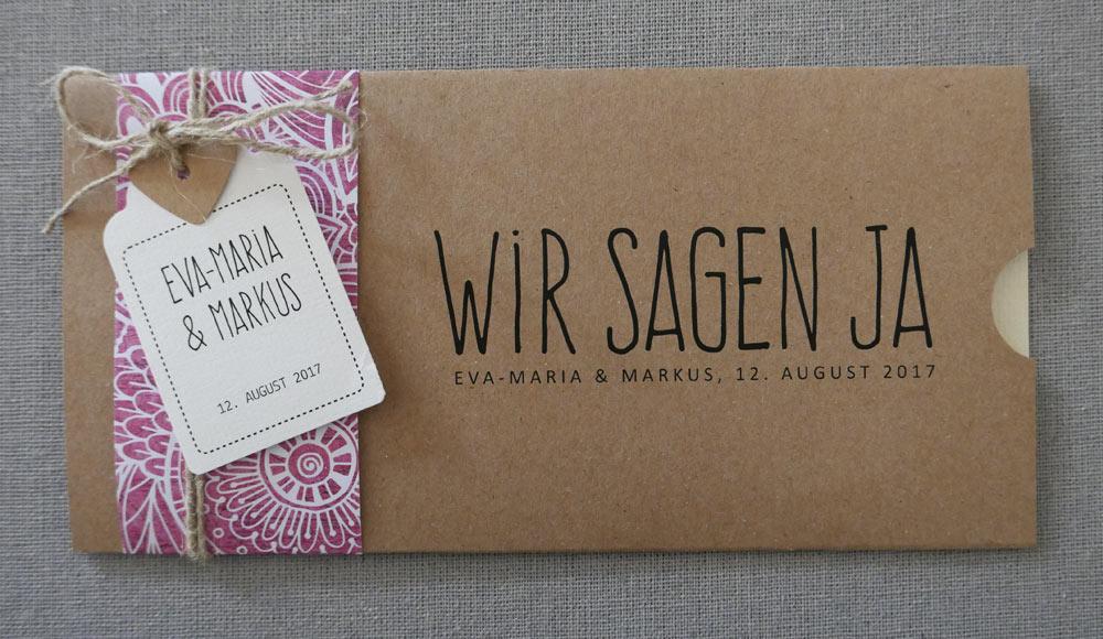 Hochzeitskarte Florali mit Anhänger und farbigem Herz