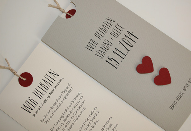 Hochzeitskarten LOFTY grau mit roten Herzen