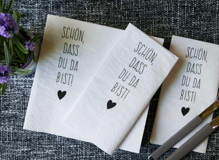 Servietten für die Hochzeitstafel